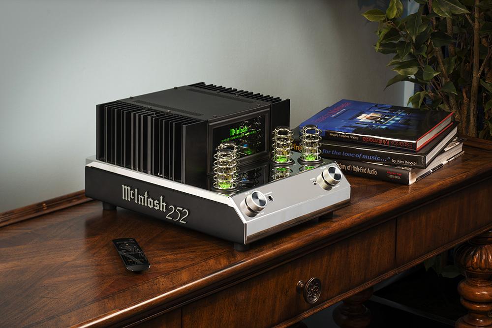 audio-mcintosh-ma252 table hi res36-optimized